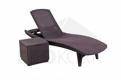 gartenliege aus polyrattan geformter kunststoff i. Black Bedroom Furniture Sets. Home Design Ideas